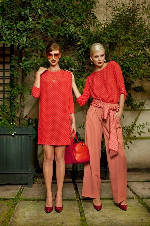 Vestido y pantalones en rojo de Dolores Promesas