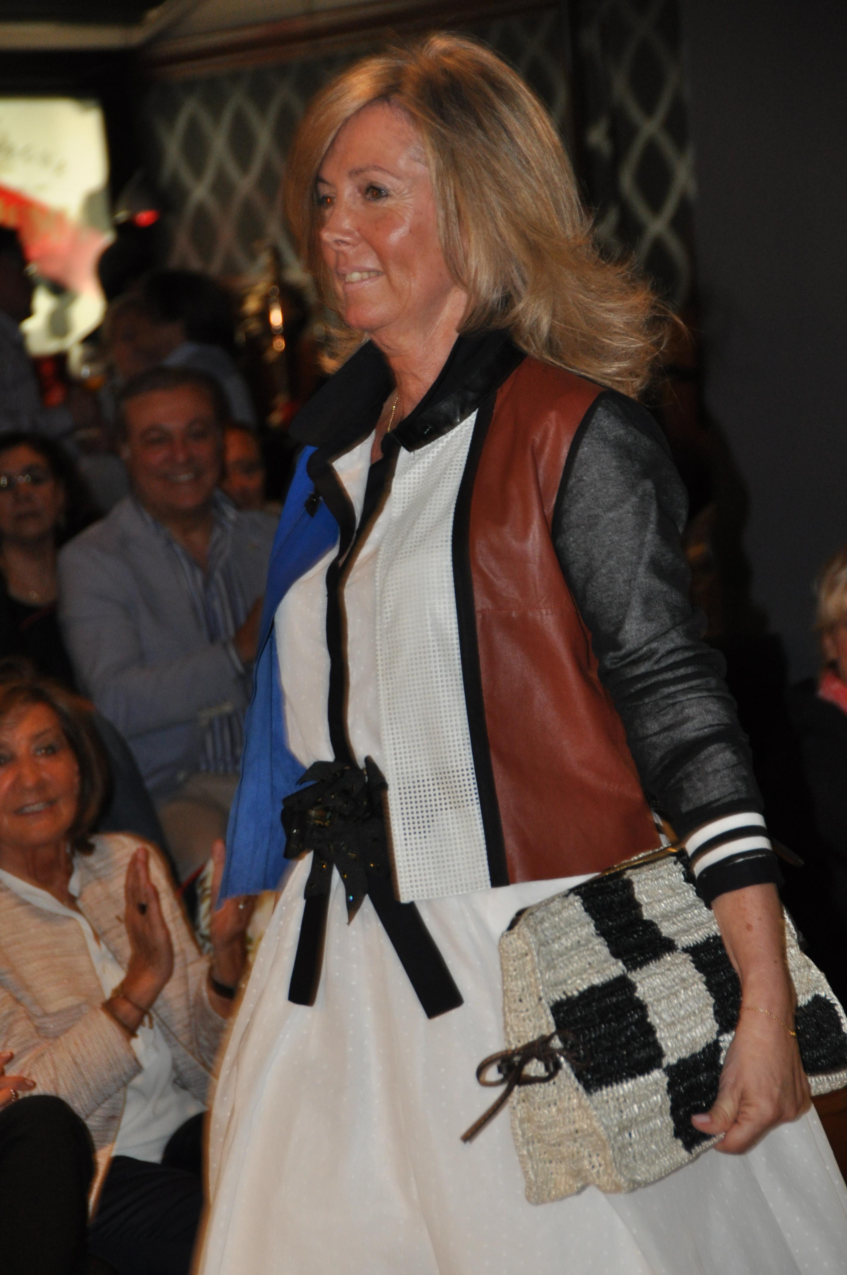 Leonor de Con Buena Facha vestida de B54