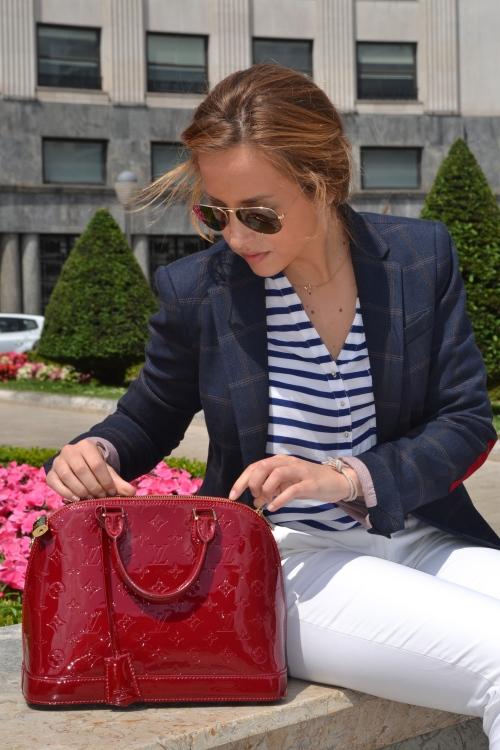 Streetstyle Inspiración marinera traje oficina blazer bolso louis vuitton zara massimo dutti sandalias rayban
