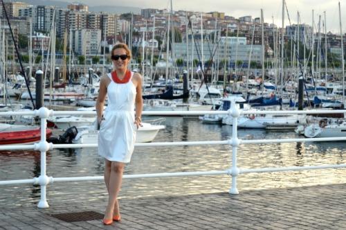 08-Vestido Blanco collar primark zapatos coral zara