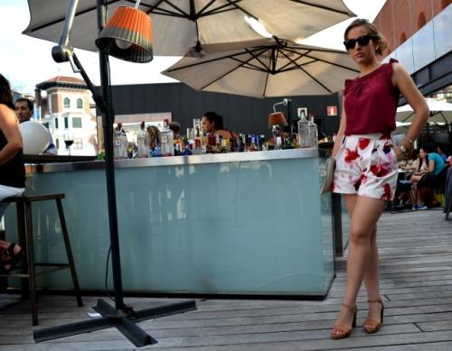 Shorts Flores rojos granates zara terraza alhóndiga 6