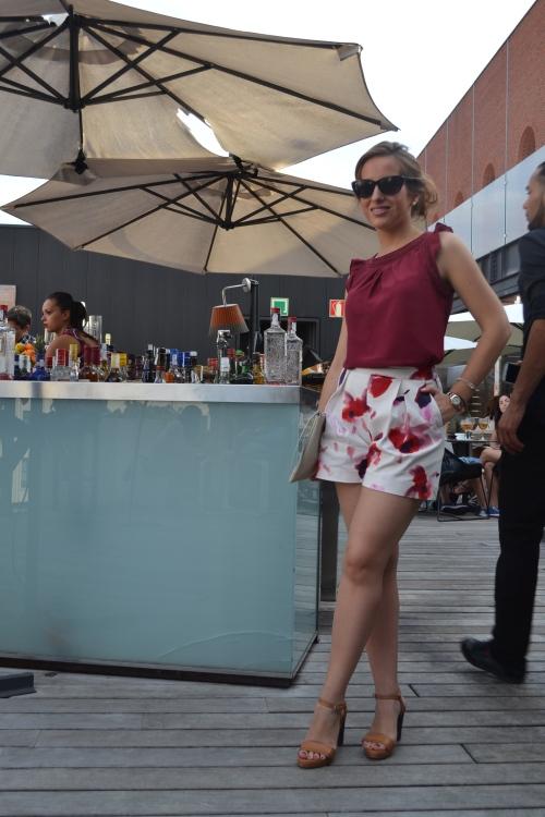 Shorts Flores rojos granates zara terraza alhóndiga 7