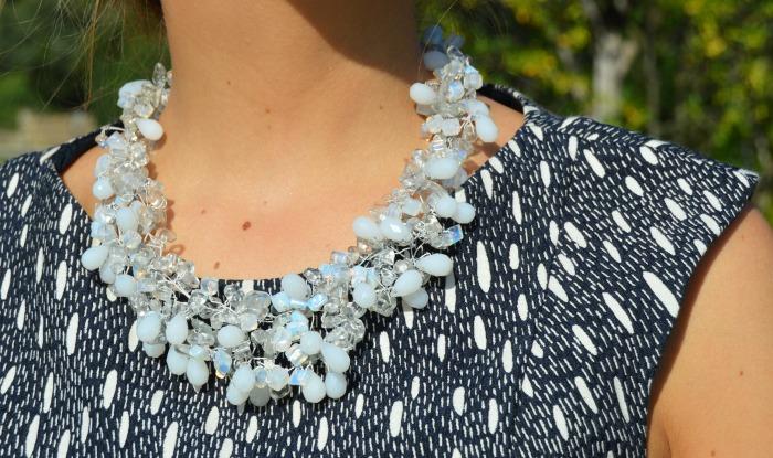 Vestido azul bautizo norte zara collar blanco cristal zara
