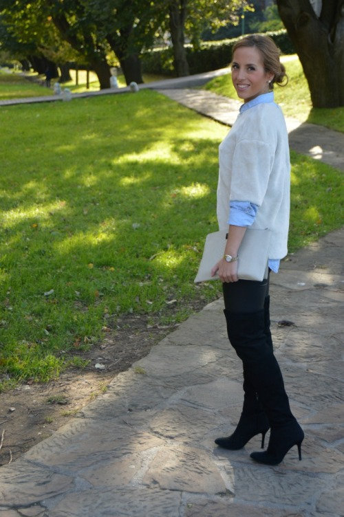 pantalon legging cuero negro camisa vaquera jersey pelo peluche hm botas mosquetero over the knee bolso day a day