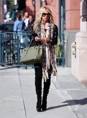 Extremely Skinny Rachel Zoe Visits Doc's Office!