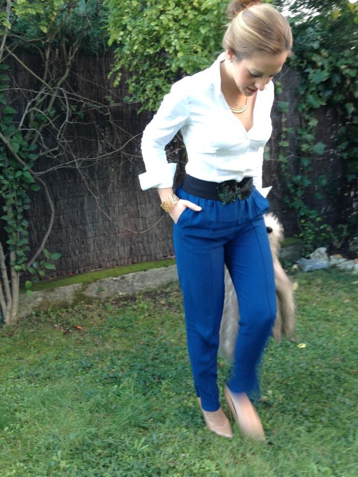 Baggy pants pantalones anchos azul klein zara abrigo pelos camisa blanca look comida especial